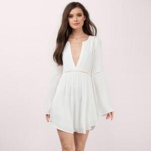 Tobi White Plunging Shift Dress    Cute Boho Chic